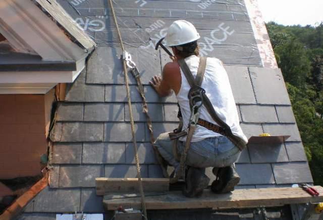 Installing roof slate